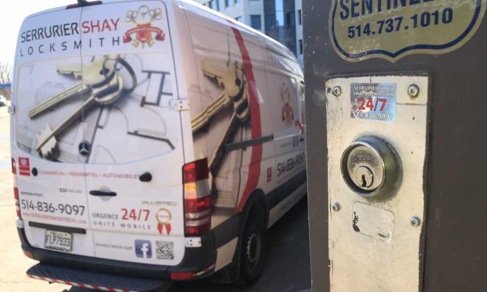 Serrurier COMMERCIAL, commercial locksmith, porte commercial, commercial doors